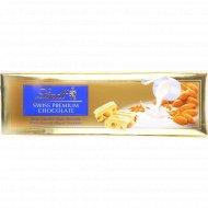 Шоколад «Lindt» белый с миндалем, 300 г.