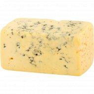 Сыр полутвердый с благородной плесенью «Лазур золотистый» 50%, 1 кг, фасовка 0.15-0.25 кг