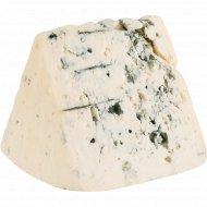 Сыр полутвёрдый «Лазур» с благородной плесенью, 50%, 1 кг, фасовка 0.3-0.5 кг