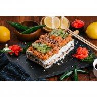 Суши-кейк с красной рыбой и авокадо, 1/650.
