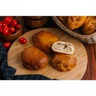 Пирожок с картофелем, сметаной и грибами, 80 г .