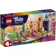 Конструктор «LEGO» Trolls, Приключение на плоту в Кантри-тауне