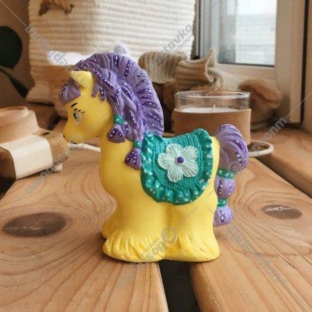 Изделие декоративное «Лошадка «Бархатка» декорированное.